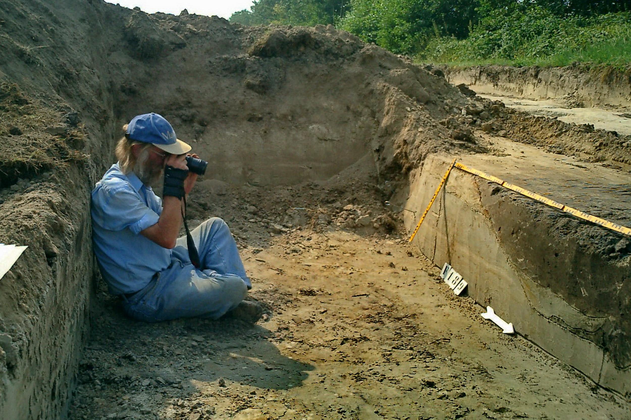Opgraving Wieken Vinkenhoef - Het fotograferen van een spoor