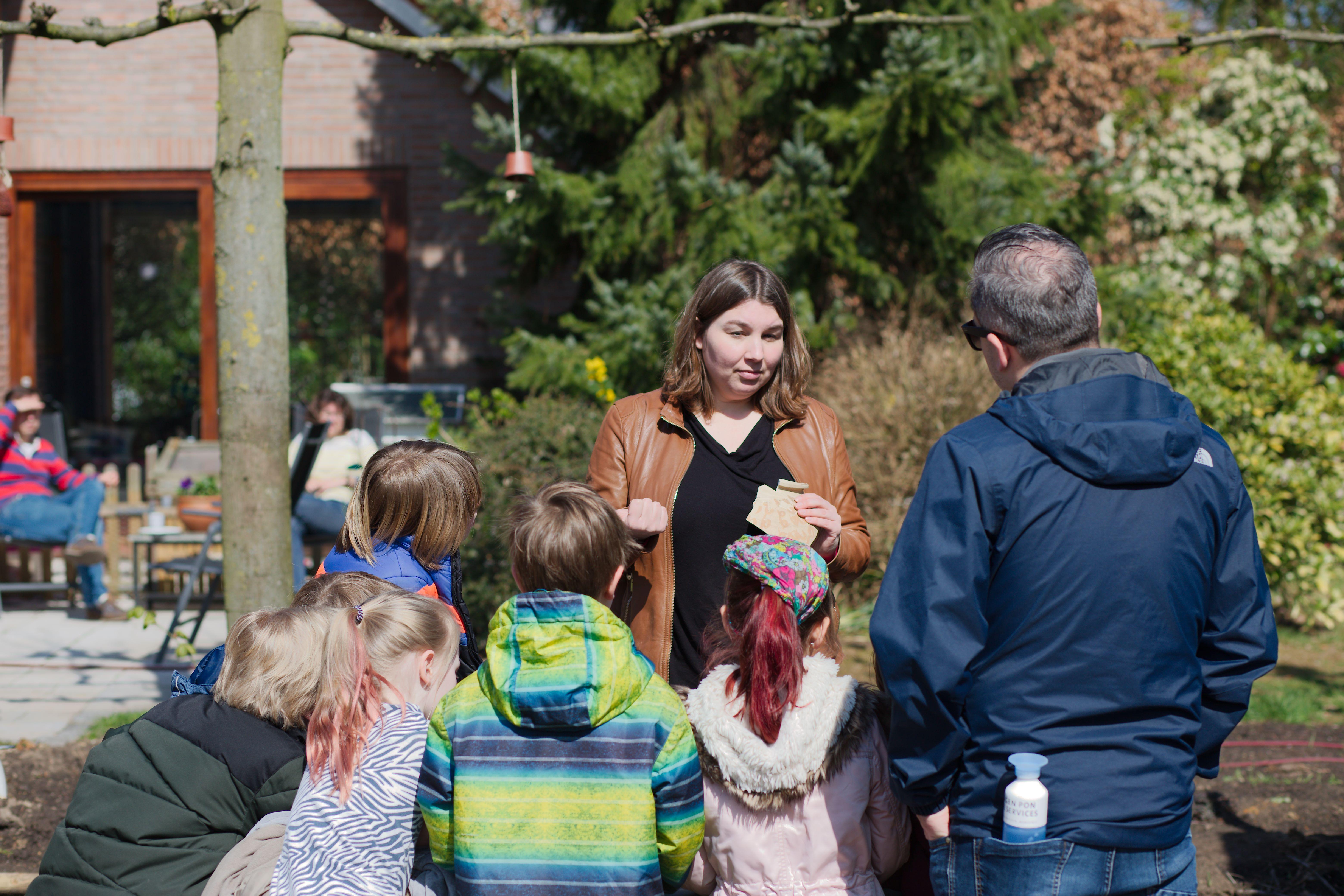 Opgraving Emiclaerseweg - Schoolklas op bezoek