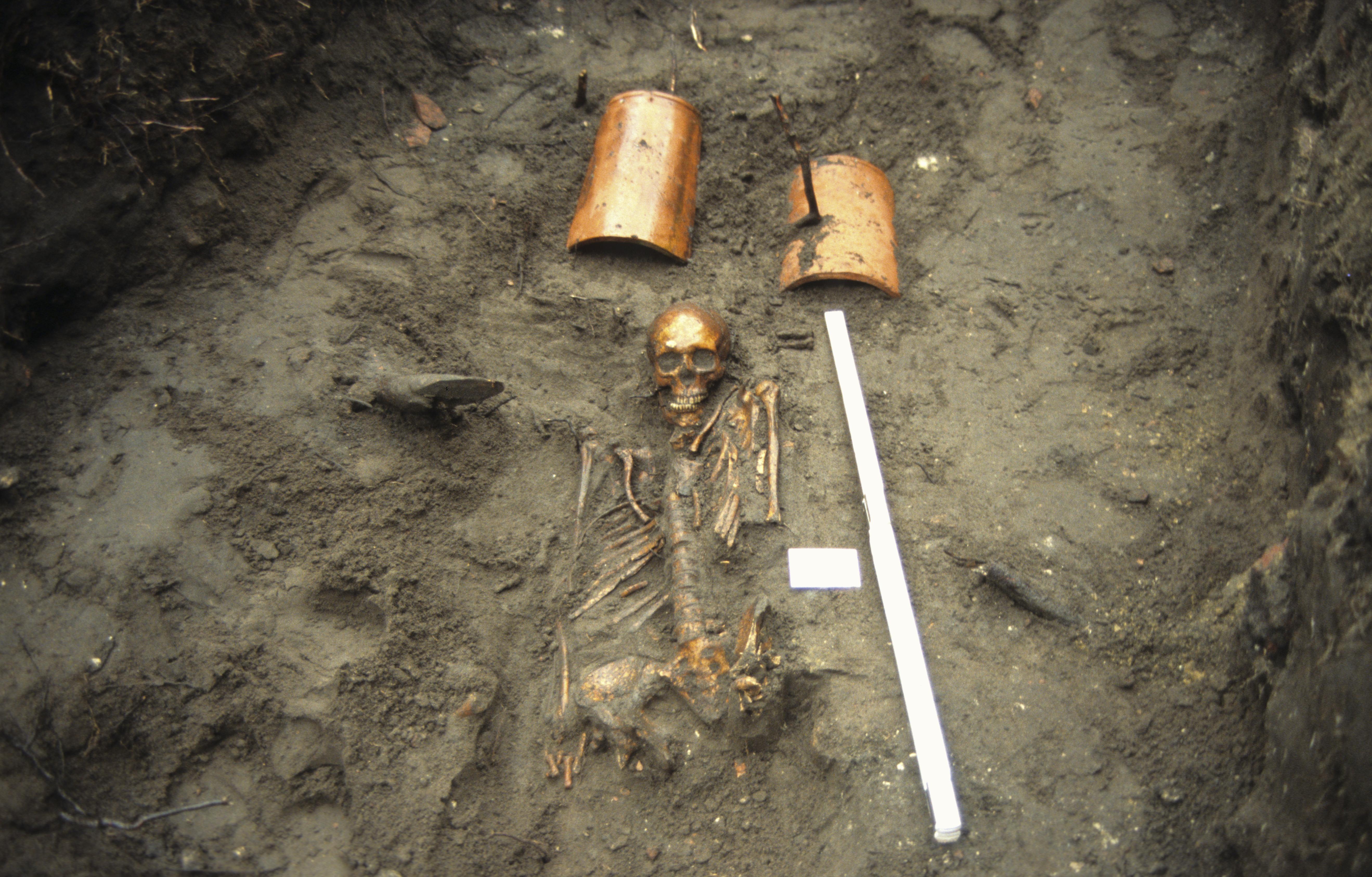 Opgraving Hofje Armen de Pot - begraafplaats bij de Rochuskapel